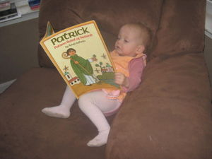 Mia reading