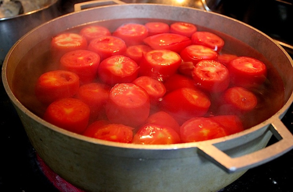Canning whole peeled tomatoes - Just Another Day In Paradise